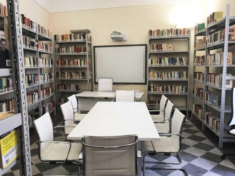 """AVVISO PUBBLICO D'INTERESSE FINALIZZATO ALLA FORNITURA DI LIBRI PER LA BIBLIOTECA COMUNALE """"AURELIO CASSAR"""" D.M. N. 191/2021"""