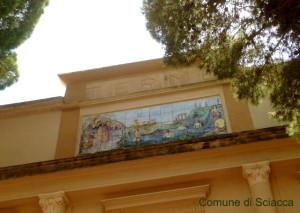 terme facciata da parco