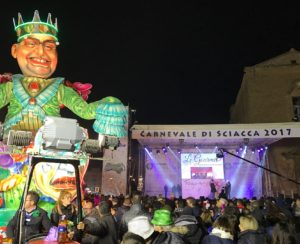 carnevale di sciacca 2017 - palco con peppe nappa